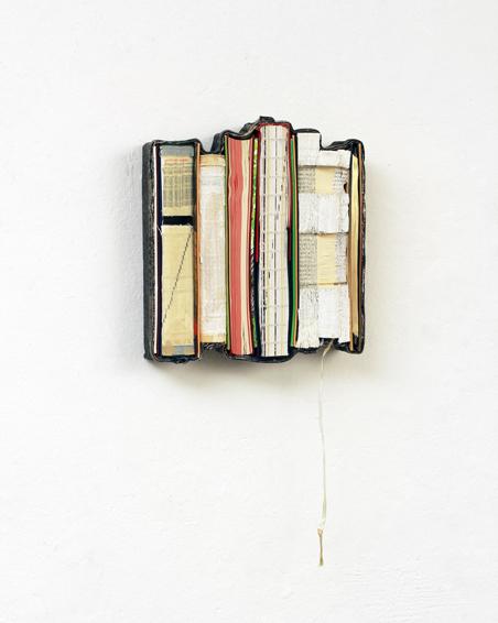 Das Buch der Türme, geschn. Buchdeckel, Bücher, Acryl, Textilien, Schrauben, ca. 24x22x6 cm, 2012