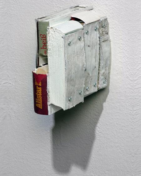 Diese eine Liebe, Geschnittene Bücher, Zink, Plakat, Acryl, 15 x 7 x 13, 2008