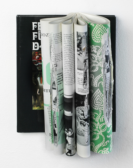 Indien - Feste, Fürsten und Dämonen, folded pages, book, screws, app.: 27 x 22 x 13, 2010
