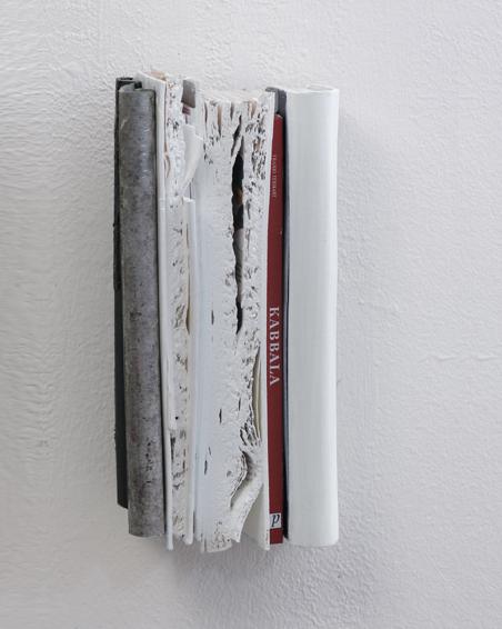 Kaballa, Geschnitte Bücher, Zink, Textilien, Acryl, 30 x 40 x 10, 2007